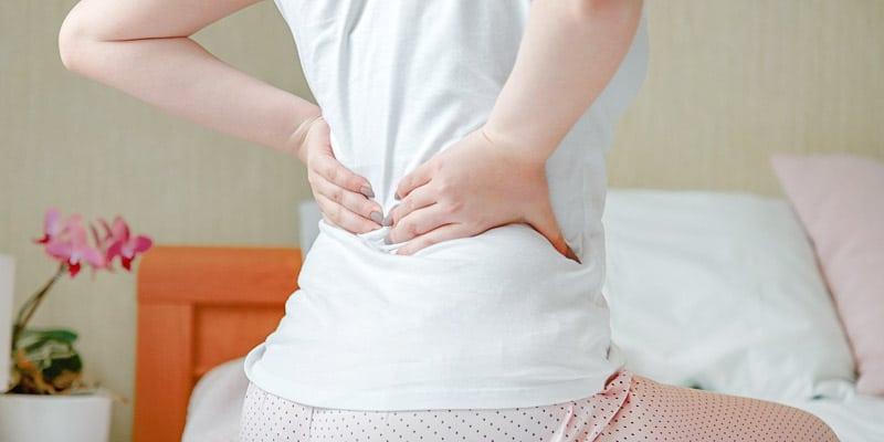 Mal di schiena nella zona lombare, quali possono essere le cause?